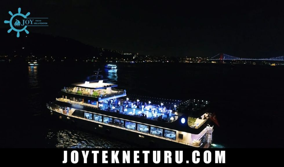 İstanbul Yılbaşı Programları - 2020 Teknede Yılbaşı Partileri İstanbul- new year party, new year party istanbul, christmas party on the boat, christmas party,